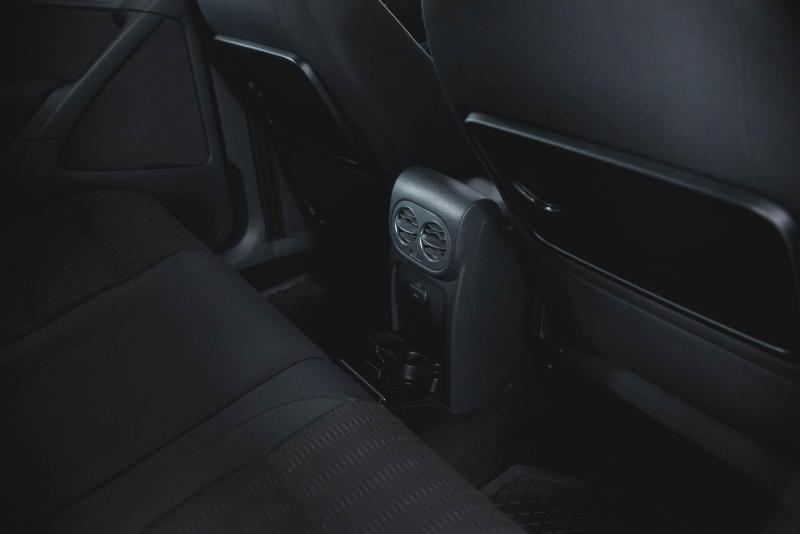Volkswagen Tiguan 1.4 TSI BlueMotion MT (122 л. с.)