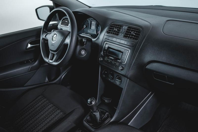 Volkswagen Polo 1.6 MPI MT (110 л. с.) Trendline